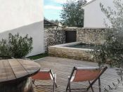 Village house Tavel, 5 room(s)